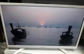 Телевизор LED Yuno ULX-32TCW215 White